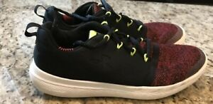 Under Armour Boys 5.5 Youth Shoe Red Black