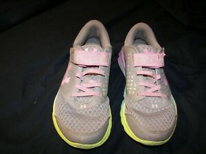 Girls Under Armour Athletic Shoes - 1303513-035 - Size 1.5Y