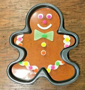WILTON GINGERBREAD BOY NONSTICK GIANT COOKIE PAN UNUSED OPEN BOX DAMAGED RECIPE