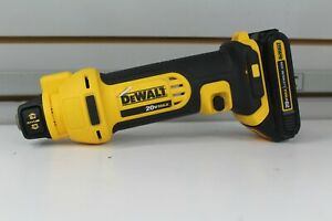 DEWALT DCS551 20V MAX Cordless Li-Ion Drywall Cut-Out Tool with Battery.