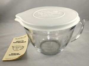 The Pampered Chef Classic Batter Bowl w/ Lid 2 Quarts/ 8 Cups - Older Style 2230