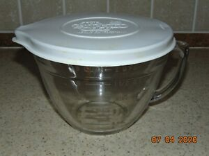 Pampered Chef 8 Cup/2 Quart 2000ml/2 Litres Measuring Bowl with Lid