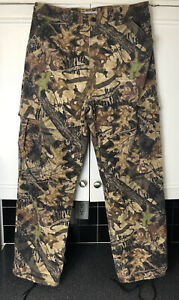 JERZEES OUTDOORS CAMOUFLAGE PANTS PERFECT FOR BIRD DUCK DEER HUNTING Size L