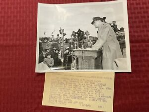 "Original Acme News Photo ""The General Honors A 'Lovely Lady'"" 1951"