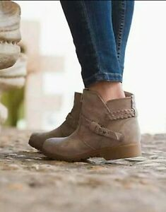 Teva Leather Suede DELAVINA ANKLE BOOTS 7 $39.00