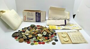 Vintage Miscellaneous Sewing Items Lot Buttons Pleater Hooks K $9.99