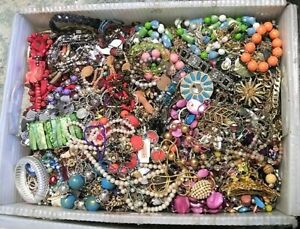 Huge Jewelry Lot 3 4 Pound Lbs Vintage Now Junk Craft Wear Pieces Parts Tangle $34.19
