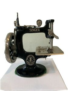 Rare Antique First Model 20 1 Toy Singer Machine Introduced In 1910 $175.00