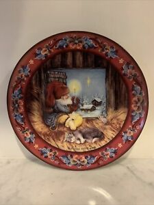 Suzanne Toftey Julestemning No 5 Plate Norwegian Gnome With Candle Cat Christmas