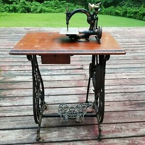 Antique WILLCOX amp; GIBBS Treadle Sewing Machine with Wood Cover No Belt $500.00