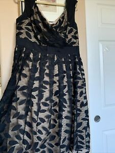 Adrianna Papell 16 W Dress Plus Size Lace Fit and Flare Black Beige $39.99
