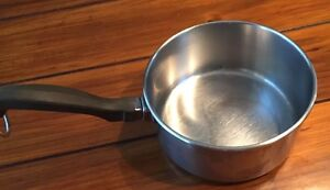 Farberware Classic 2-Quart Saucepan With Lid Made Of 18/10 Stainless Steel