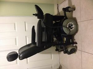 POWER  WHEELCHAIR  SCOOTER  M41SR20R  ADULT  300lb  MAX  INVACARE  PRONTO M41
