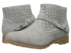 50% OFF NEW #1010105 TEVA WOMENS DELAVINA ANKLE PERFORATED BOOT SZ 7 GREY. $59.99