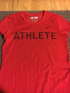 Nike Girls Graphic T Shirt Youth XL Red Nike sports t Nike Athlete