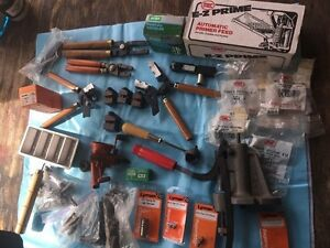 Lot Of Lyman & LEE Bullet Moulds And Misc Re-loading Equip. Molds Handles