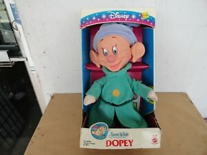 1993 Mattel Disney Snow White and the Seven Dwarfs Dopey 13