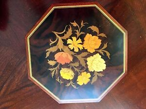 Vtg Reuge Sorrento Italy Swiss Movement  Music Box Octagonal Floral wkey