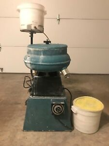 RAYTECH FT-20 Compound Rinsing System AN VIBRATORY  TUMBLER USED WORKING ITEM
