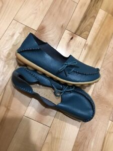 SOCOFY Womens Blue Leather Driving Moc's 7.5 small 8 Loafers Slip-On 39 Worn 1X