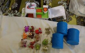 The Ugglys Pet Shop  Lot of 13 pets and grooming truck