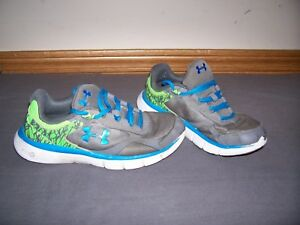 used boys under armour shoes size 4.5