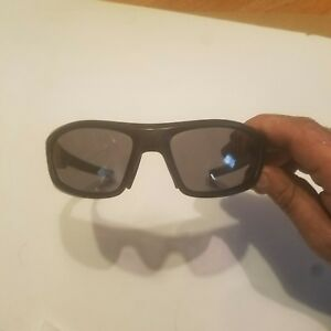 UNDER ARMOUR POWER SUNGLASSES Black  Polarized UA 8600026 New Without Tags