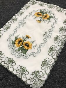 2 Pieces Spring Sunflower Embroidered Placemats Night Stand Coffee End Table Mat