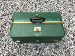 Large Vintage UMCO 3060 U Fold Out Fishing Lure Reel Tackle Box As Is
