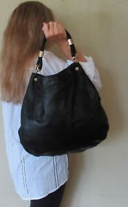 $1680. genuine GUCCI Italy SHOULDER PURSE Black LEATHER Couture HOBO Large