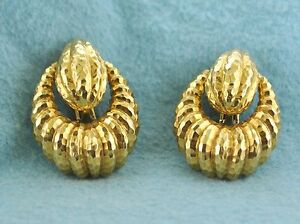 David Webb Earrings Teardrop Shaped Clips Intricate Design in 18 KYG $20K VALUE