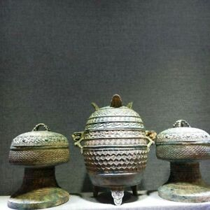 Chinese bronze pots beast handle covered dynasty pots vessel set