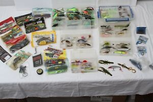 100 Assorted Fishing Lures Arbogast Jitterbugs Excalibur Aglia