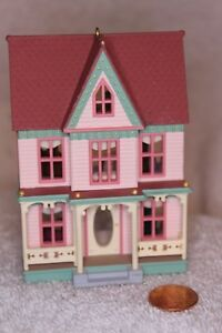 1996- -Victorian-Painted-Lady- Hallmark-Nostalgic-Houses-amd-Shops-13-In-Series