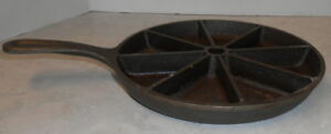 CAST IRON 8 SLICE SKILLET CORN BREAD USA LODGE D1