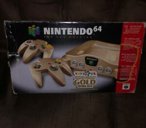Toys R Us Limited Edition Gold Nintendo 64 console System N64 2 Gold Controllers