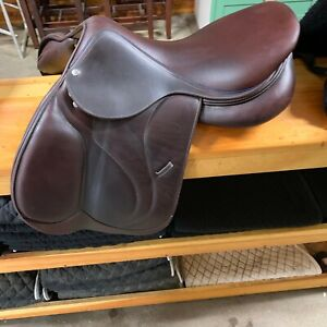2017 Devoucoux english saddle close contact 17.5 brown - Very good condition!