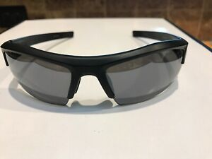 Under Armour Sunglasses Igniter Matte Black  Gray Lenses VERY GOOD CONDITION