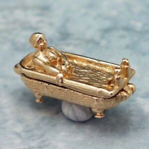 14k gold vintage BATH TUB WITH WOMAN charm OPENS