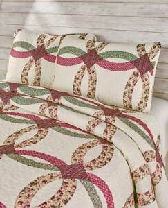 Norfolk Wedding Ring Quilted Bedding Set with 2 Pillow Shams - King