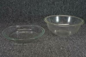 Vintage Set Of Pyrex Mixing Bowl And Pie Dish, Made In USA