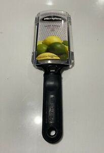 MICROPLANE Home Series Fine Paddle Grater zesting tool.Cheese Grater Coarse NEW