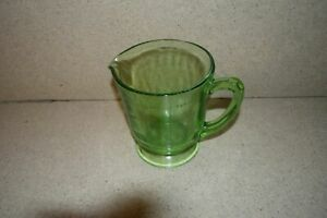 <MA> VINTAGE 4 CUP / 32 OZ DEPRESSION GLASS MEASURING CUP