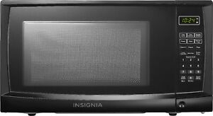 Insignia 0.7 Cu. Ft. Compact Microwave Black