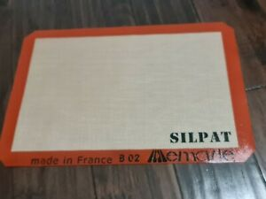 NEW Silpat Premium 13 x 18 Non Stick Silicone Baking Mat Medium 11 5 8 x 16 1 2
