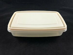 Vintage Rubbermaid Servin Saver #6 7 Cup Rectangle Container with Almond Lid $8.95