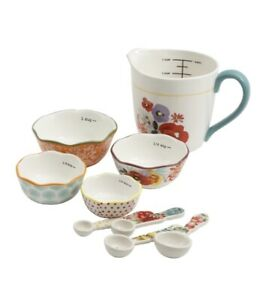 Pioneer Woman Measuring Bowl and Spoons Cup And Samp; P Shakers $20.00