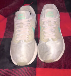 Womens Nike Running Shoes Size 9 $15.00
