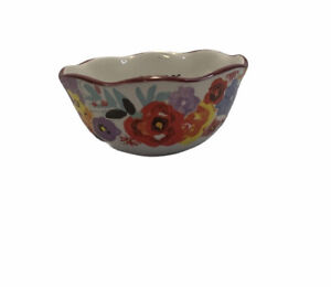 The Pioneer Woman Flowers Floral Print Measuring Bowl 1 Cup 1 2 Cup size