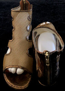 GENTLE SOULS Size 7.5M Gold Leather Mesh Solid Trim Ziip Back Gladiator Sandals $65.00